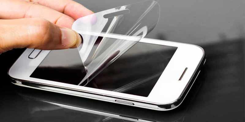 4e683753cc Tipos de protectores de pantalla, ¿cómo elegir el mejor para tu móvil?